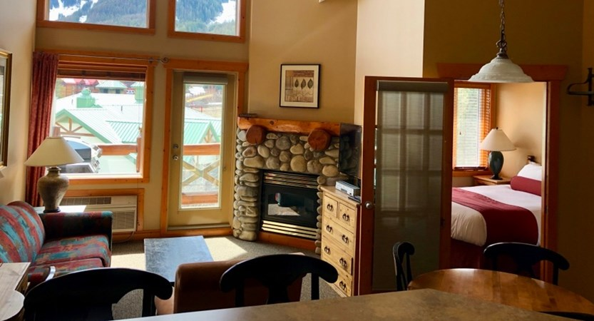 Lizard Creek Lodge & Condos TWO BED APARTMENT.jpg