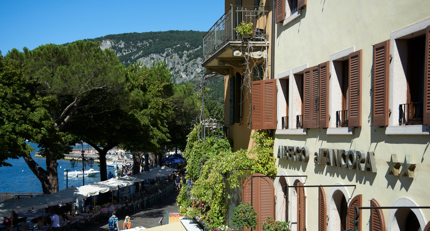 Hotel All'Ancora, Exterior Lake View