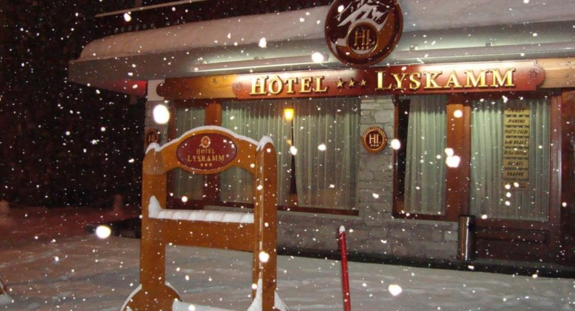 Hotel Lyskamm exterior in snow.jpg