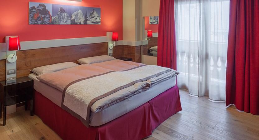 Hotel Lyskamm, Cervinia, bedroom.jpg