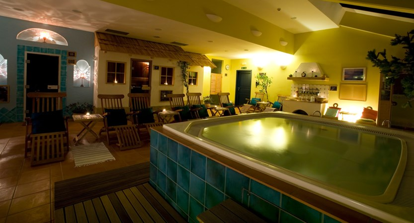 Bohinj ECO hotel slovenia hot tub.jpg