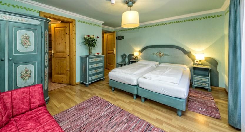 italy_dolomites_kronplatz_hotel-brunella_bedroom 1.jpg