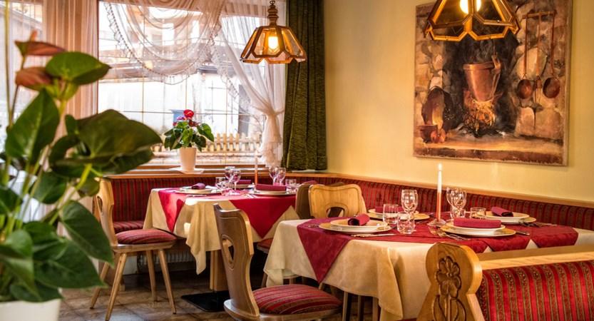 italy_dolomites_kronplatz_hotel-brunella_restaurant.jpg