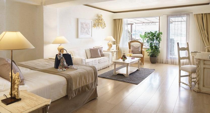 VOI_Grand_Hotel_Atlantis_Bay_Junior_Suite.jpg