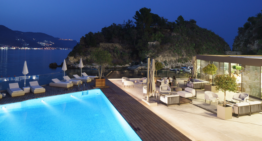 VOI_Grand_Hotel_Atlantis_Bay_Pool.jpg