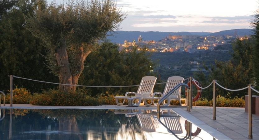 Hotel_Villa_Favorita_Pool_View.JPG