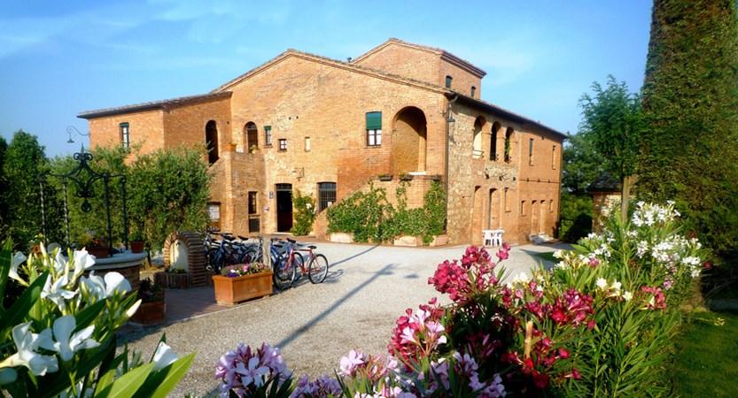 Montepulciano_Country_Resort_Outside.jpg