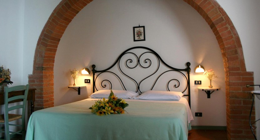 Montepulciano_Country_Resort_Bed_Room.jpg
