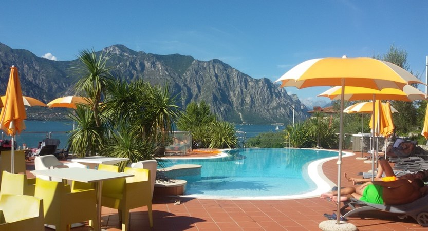 Hotel Prima Luna, Poolside Terrace