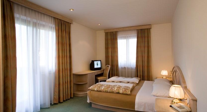 Col Alto Standard Room.jpg