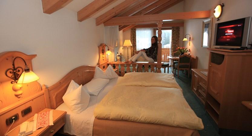 Hotel Cesa Tyrol, Canazei, Comfort Room.jpg