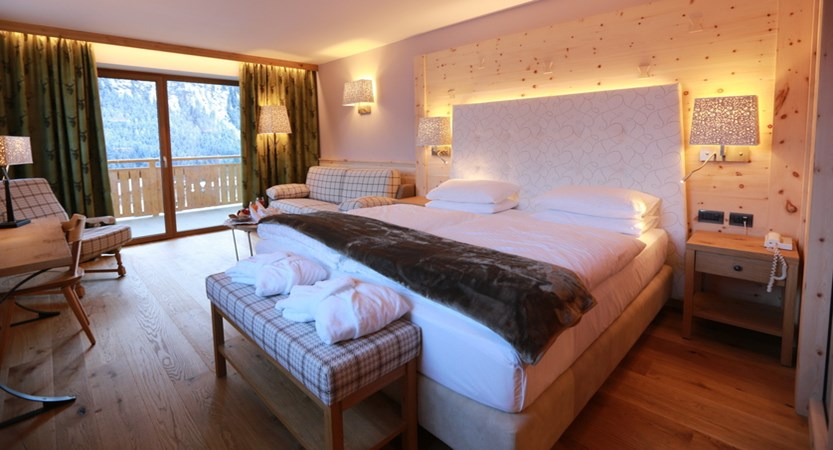 Hotel Cesa Tyrol, Canazei, Junior Suite.JPG