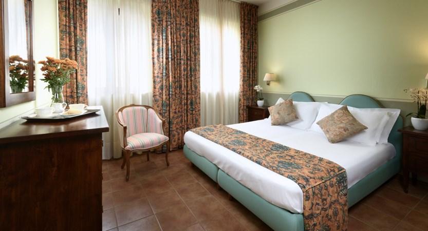 Hotel_Residence_San_Gregorio_Bedroom.jpg