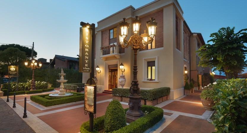 Hotel_Residence_San_Gregorio_Outside.jpg