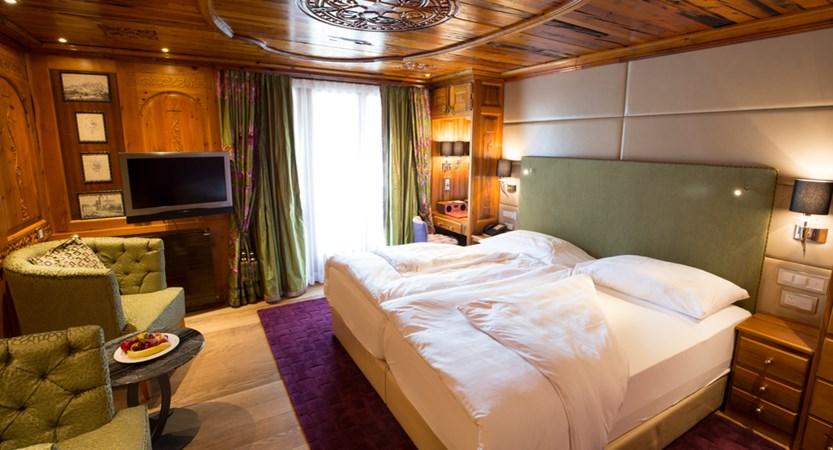 Hotel alex zermatt bedroom (1)