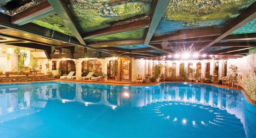 Hotel alex zermatt indoor pool