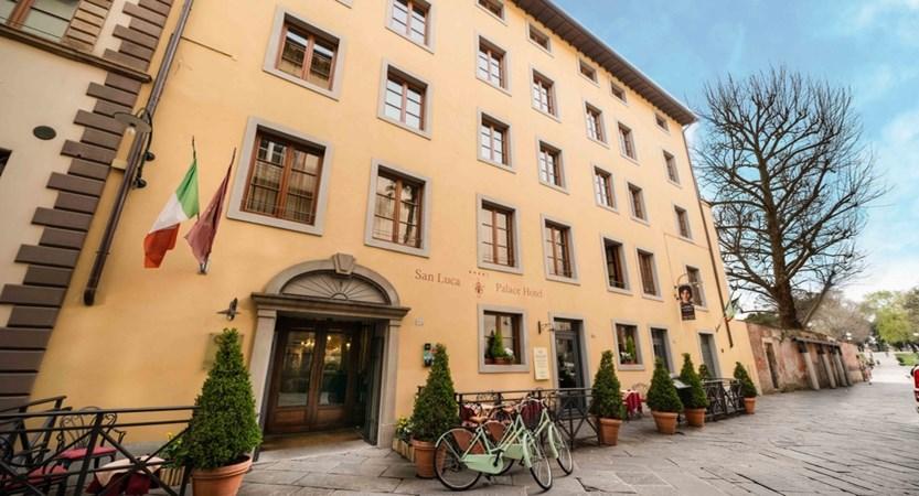 Hotel_San_Luca_Palace_External.jpg