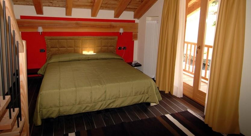 Bedroom Nord End gressoney.JPG