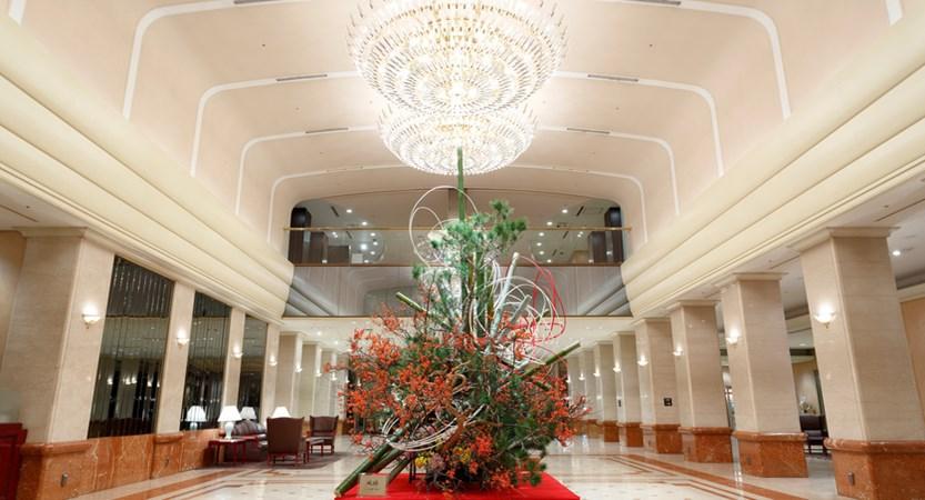 keioplaza lobby (1).jpg