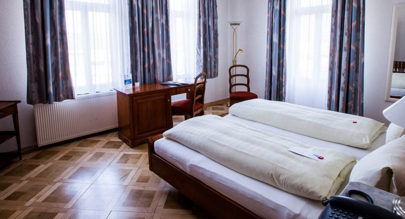 Classic Bedroom - Hotel Carton Europe Switzerland (1)