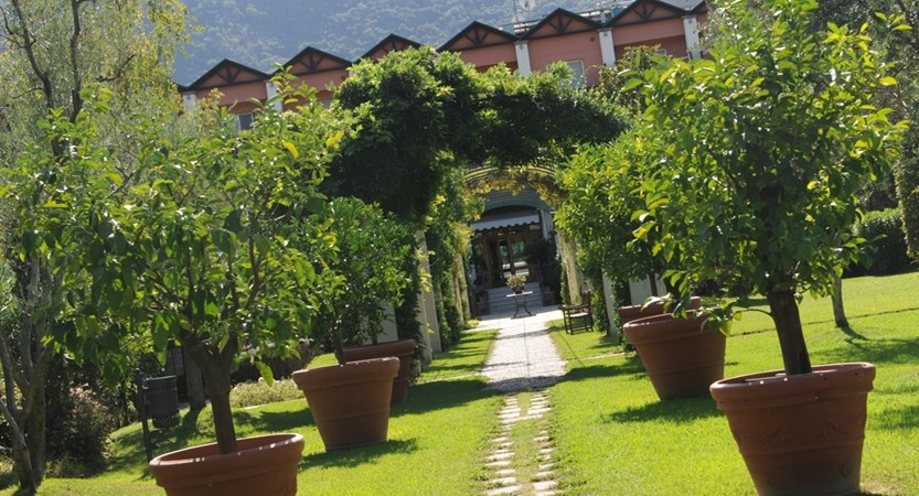 Hotel Iseolago, Gardens
