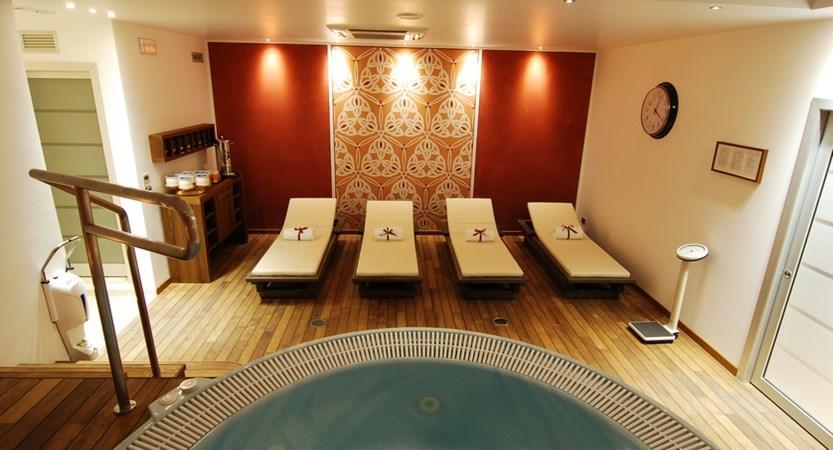 Hotel Iseolago, Solarium and Whirlpool