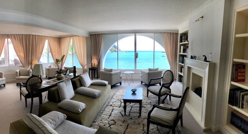 Hotel_MIramare_Lounge.JPG