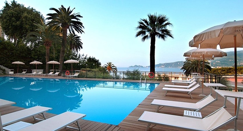 Grand_Hotel_Bristol_pool_swim.JPG