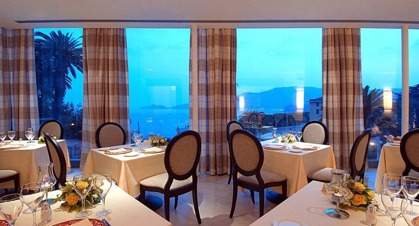 Grand_Hotel_Bristol_Restaurant.jpg