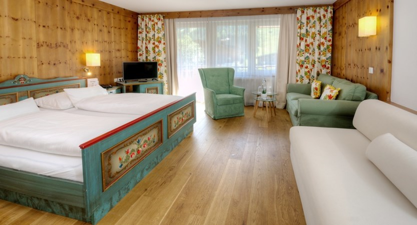 Zwölferkogel Bedroom Gardenhotel Theresia Hinterglemm