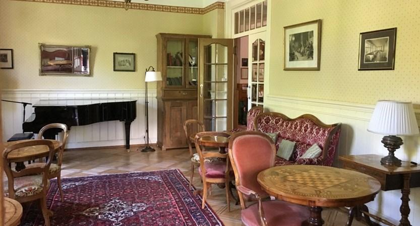Hotel Falken Wengen Switzerland Relaxation Room (1)