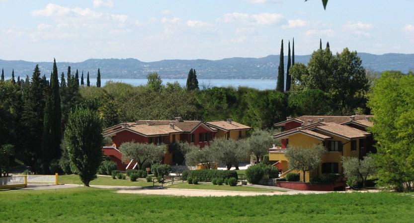 Poiano Apartments, Exterior Grounds
