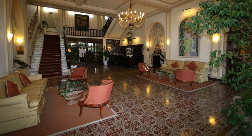 Grand_Hotel_Royal_Hall.JPG