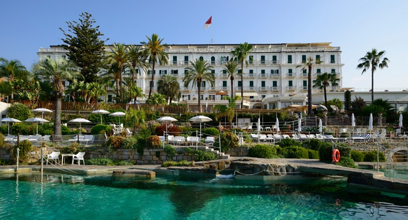 Royal_Hotel_Sanremo_front_view.jpg