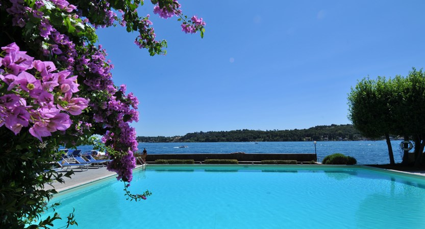 Hotel Salo Du Parc, Pool and Lake View