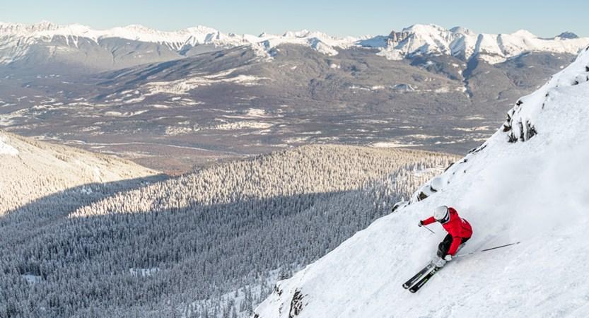 Tres Hombres Marmot Basin Jasper advanced ski (1).jpg