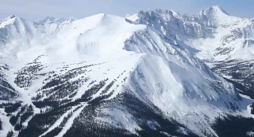 Tres Hombres Marmot Basin Jasper landscape (1).JPG