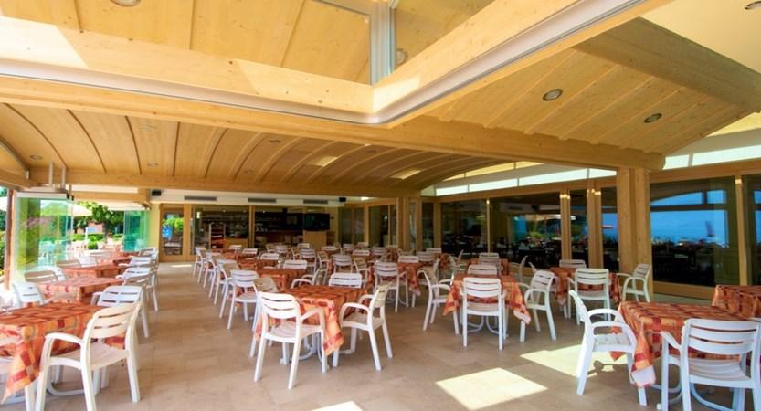 Hotel Du Lac, Pool Bar Terrace