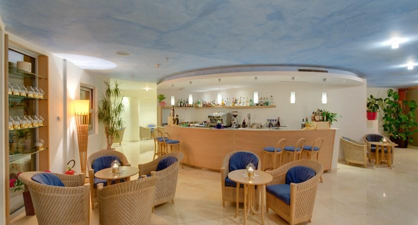 Hotel Maximilian, Bar