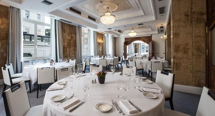 Barberini-banquet-room-Rome-Bernini-Bristol-9475.jpg