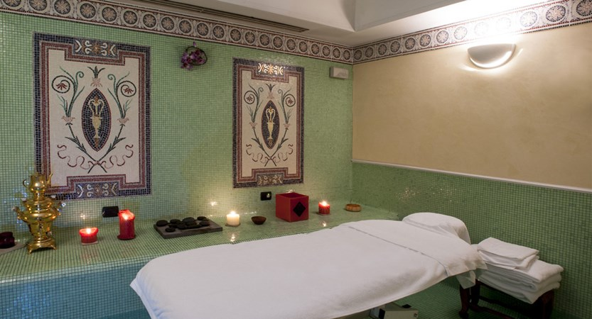 Treatments-Rome-Bernini-Bristol.jpg