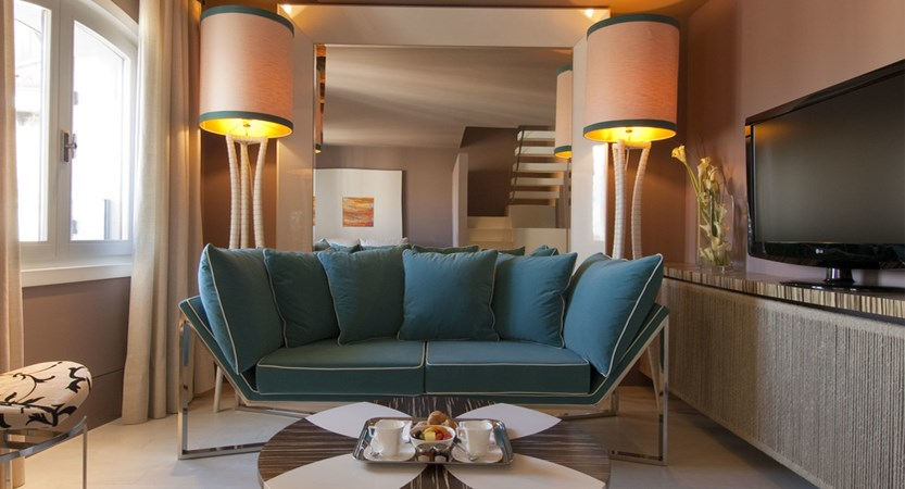 Living-room-Junior-Suite-Centurion-Palace-Venice.jpg