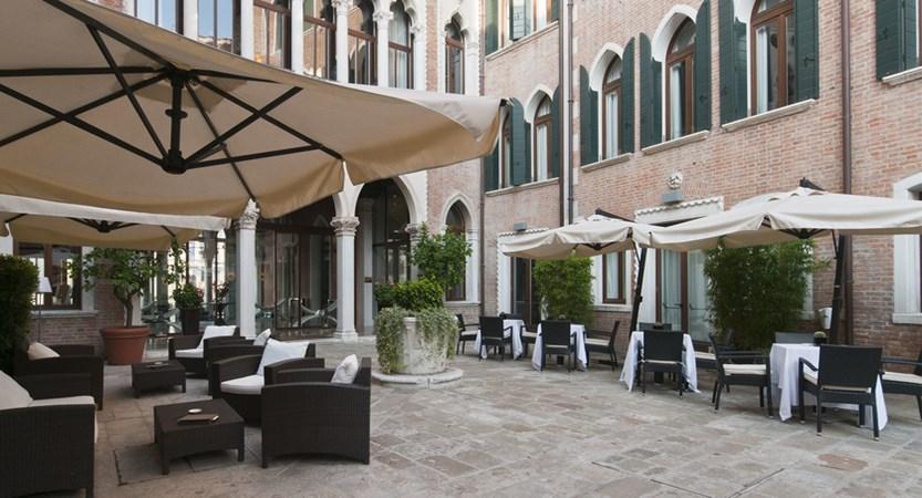 Lounge-bar-Venice-Centurion-Palace.jpg