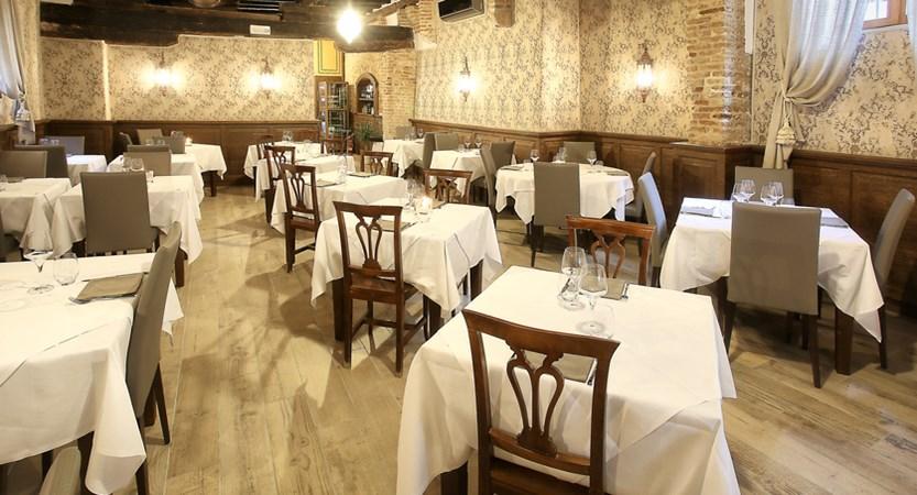 Locanda_La_Corte_Restaurant.jpg