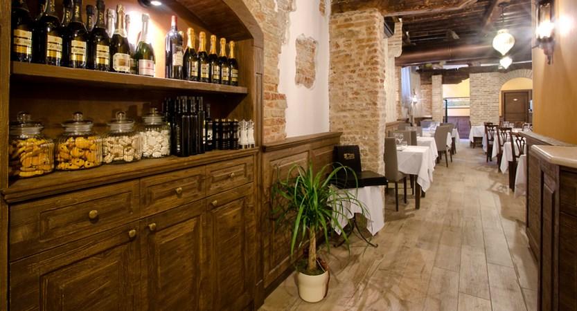Locanda_La_Corte__Restaurant_2.jpg