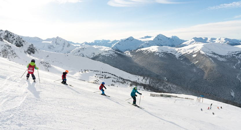 I_Blackcomb_Group_SkiSchool_2019_01.jpg