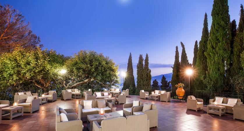 Villa_Diodoro_Terrace.jpg