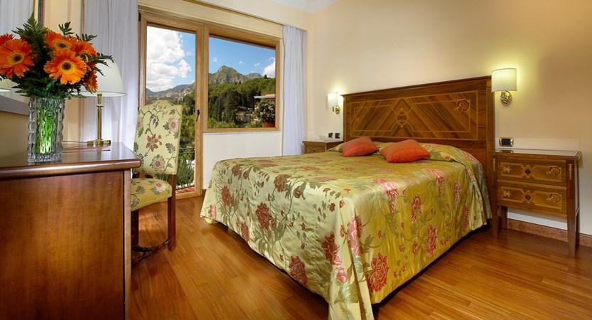 Villa_Diodoro_Classic_Room.jpg