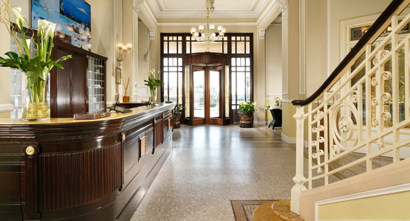 Grand_Hotel_Principe_di_Piemonte__reception.jpg