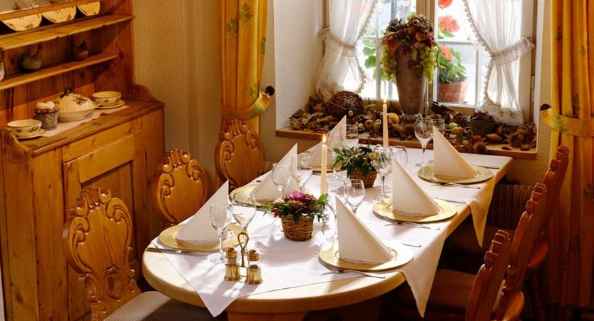 Restaurant Rustica Ecke Hotel Bären Bernese Oberland Switzerland Wilderswill